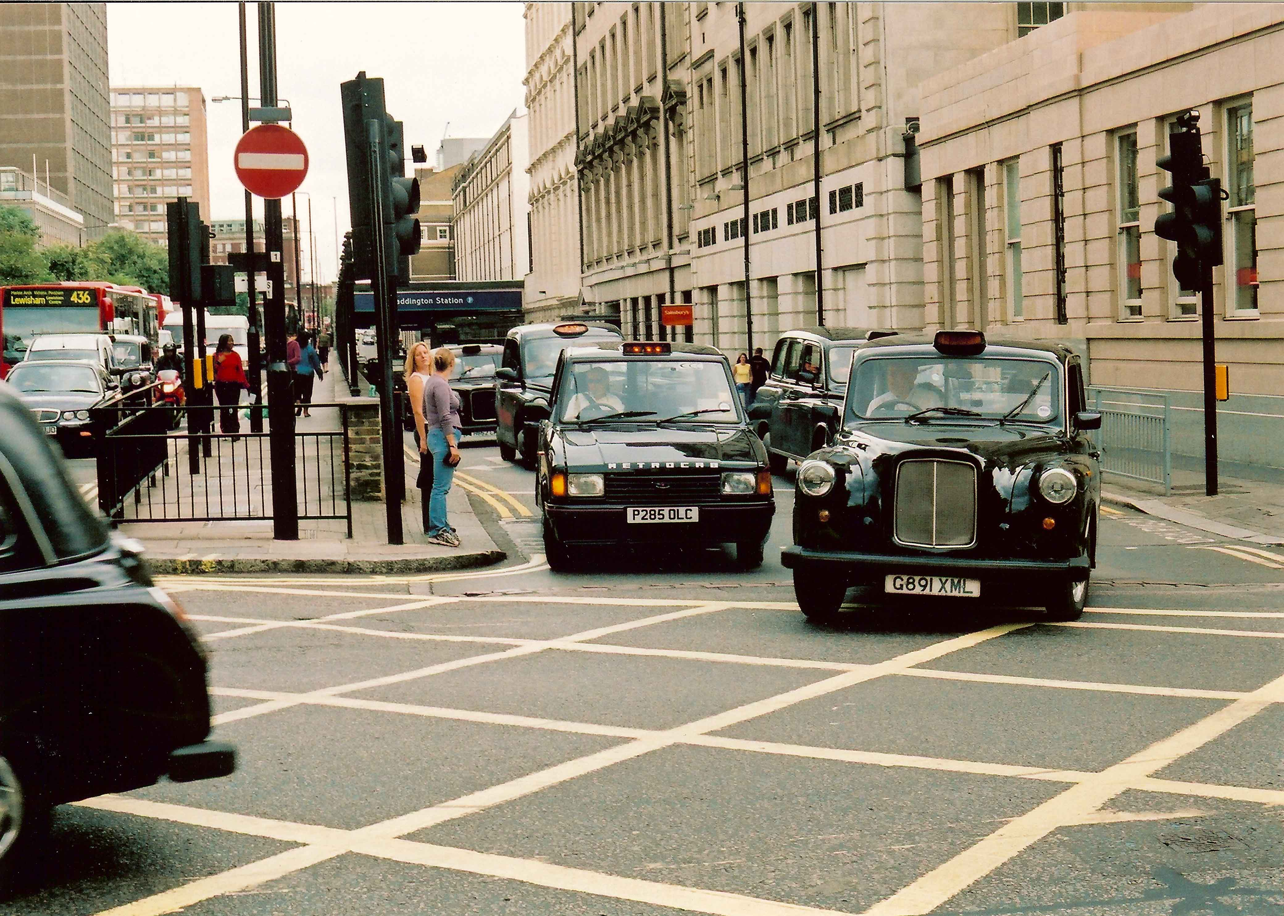 Fairway and Metrocab at Paddington Station